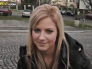 Блондинка студентка сосет в парке русское порно155