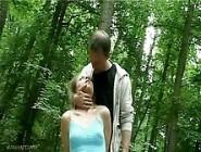 Поймал малышку в лесу и как следует отодрал ее прям на земле