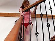 легла живот проститутка трется о перила весело пользой