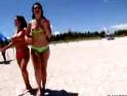 Женщину трахнули на пляже извиняюсь